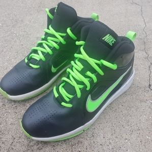 Kids Nike Basketball Shoes sz 6.5y
